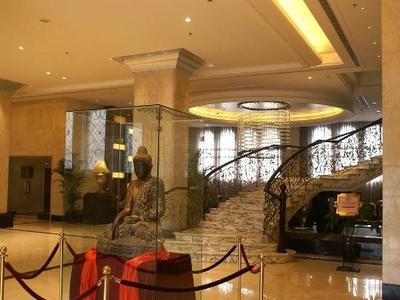 酒店拥有客房119间,包括总统套房,豪华套房,欧式套房,行政标间,行政