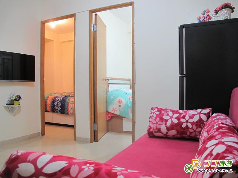 2房1厅配备3台空调,有lg高清电视机,blue pont抽油烟机和惠而普洗衣机